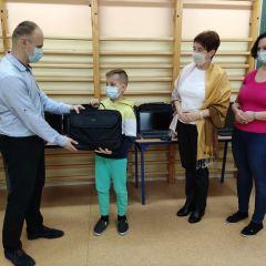 Nowe laptopy dla Szkoły Podstawowej im. Marii Konopnickiej w Turzynie  z grantu dla Gminy Brańszczyk