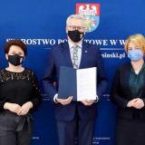Podpisanie umowy w sprawie internatu dla LO w Urlach
