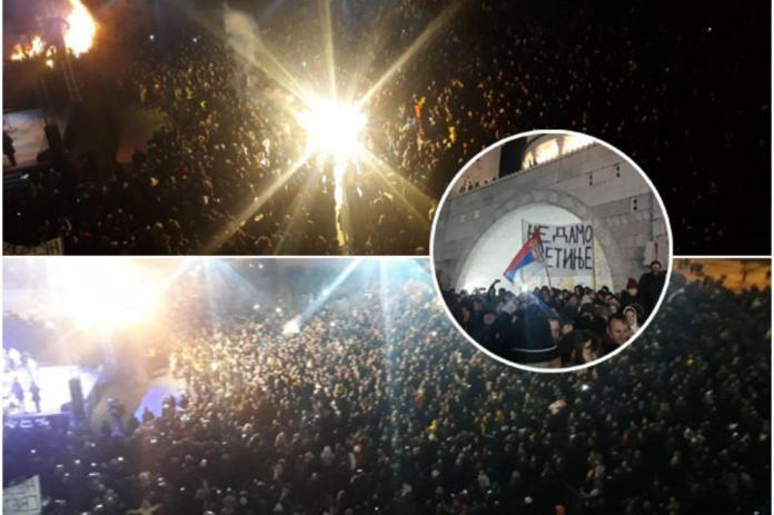 KURIR TV 10.000 VERNIKA SPC NA LOŽENJU BADNJAKA U PODGORICI! Sa skupa poručili: U Crnoj Gori se DESILO ČUDO!
