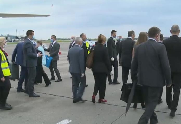LAVROV STIGAO U BEOGRAD: Evo kako je dočekan šef ruske diplomatije 4