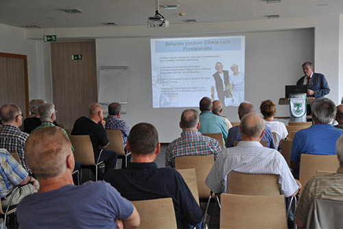 PD Dr. Vahlensieck, Chefarzt der Fachklinik für Urologie in der Kur-park-Klinik in Bad Nauheim, hielt vor der Prostata Selbsthilfegruppe Gelsenkirchen-Buer einen Vortrag darüber, was nach einer Krebsoperation geht und was nicht