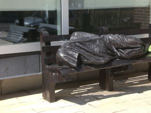 Statue_of_Christ_the_Homeless,_Regis_College,_Toronto