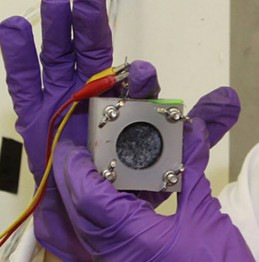 Improved microbial fuel cell (credit: Oregon State University)