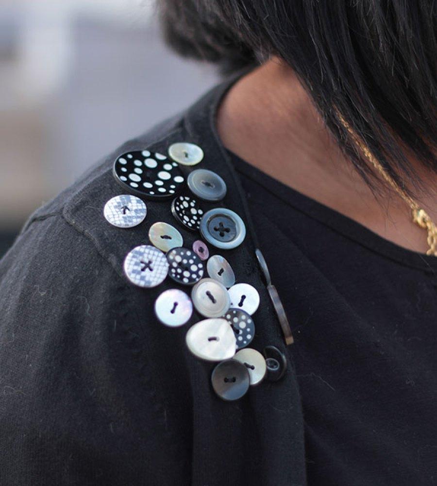 Customisation d'un gilet avec des boutons | Kustom Couture
