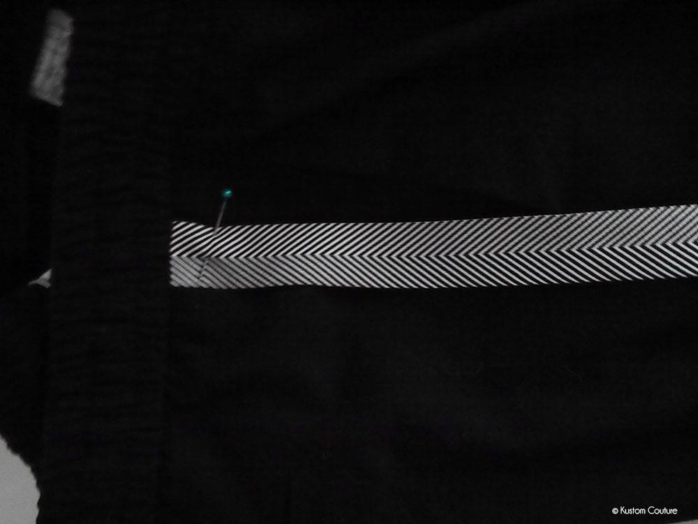 Customisation d'un pantalon avec des bandes latérales | Kustom Couture