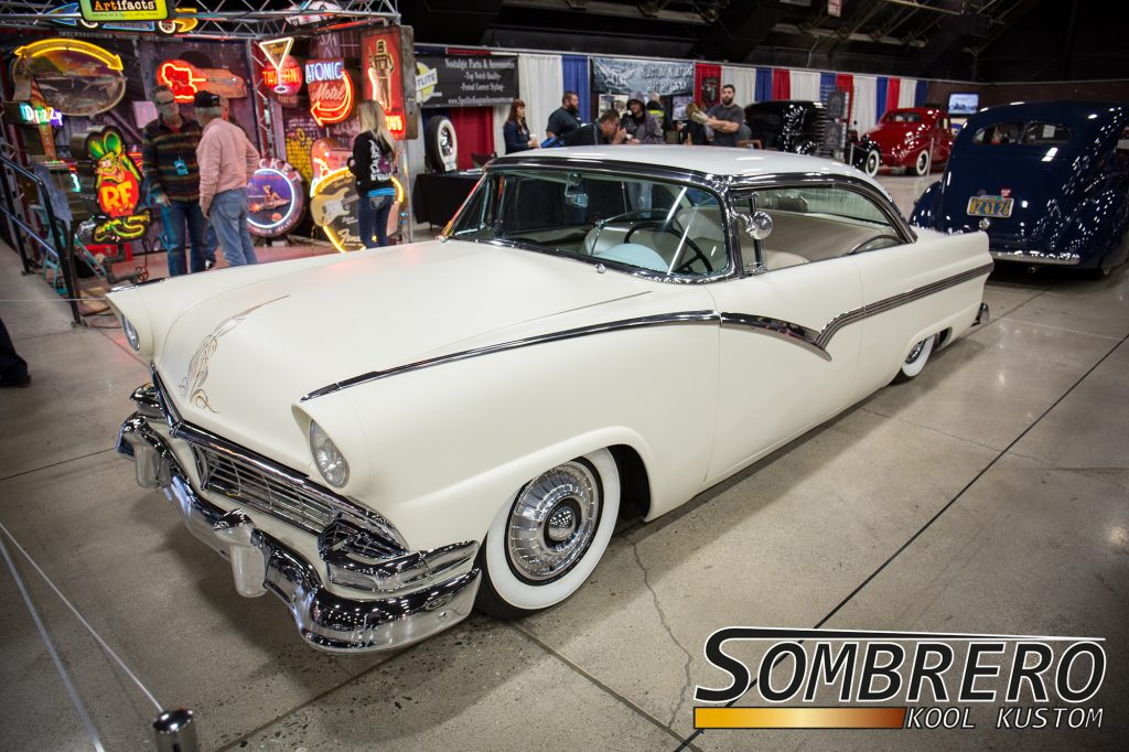 1956 Ford Hardtop Coupé, Kustom Car, Suede Palace, Flat White