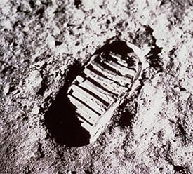 De beroemde voetafdruk van Neil Armstrong op de Maan
