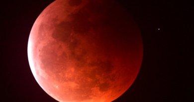rode Maan tijdens een maansverduistering
