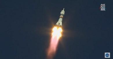 Astronauten ongedeerd na misluke lancering