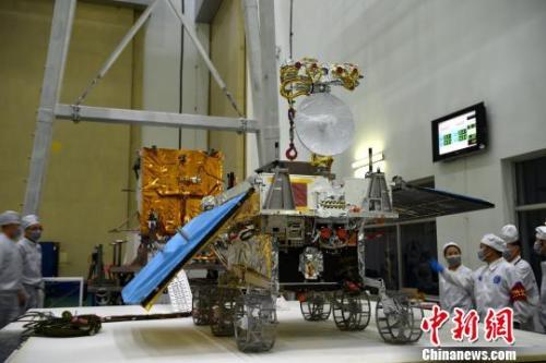 De 140 kg zware Chang'e 4 rover. Credit: CNS