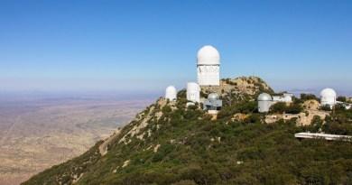 Overzichtsfoto van de Kitt Peak sterrenwacht