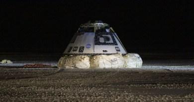 De Boeing CST-100 na de landing in White Sands