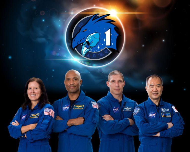 De bemanning van Crew-1