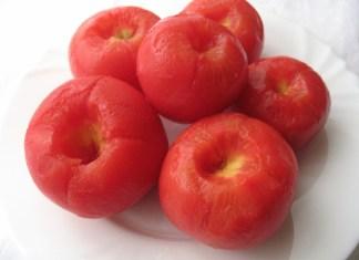 Kako oguliti paradajz brzo i lako