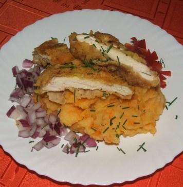 Pohovano belo meso sa pireom od krompira i šargarepe