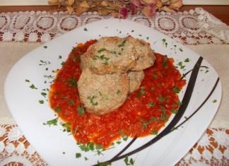 Plavi patlidžan u sosu od crvenog paradajza