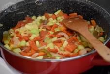 Brze taljatele sa prženim jajima i raznim povrćem-1