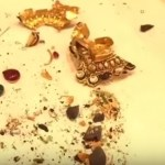 Video – Massive fraud discovered in gold jewelry items in market