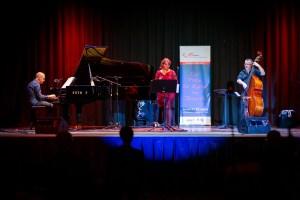 """Ein wunderschönes Wienerisches Jazz-Konzert mit Doris """"Dotti"""" Schröder & Duo (Foto: Reza Sarkari)."""