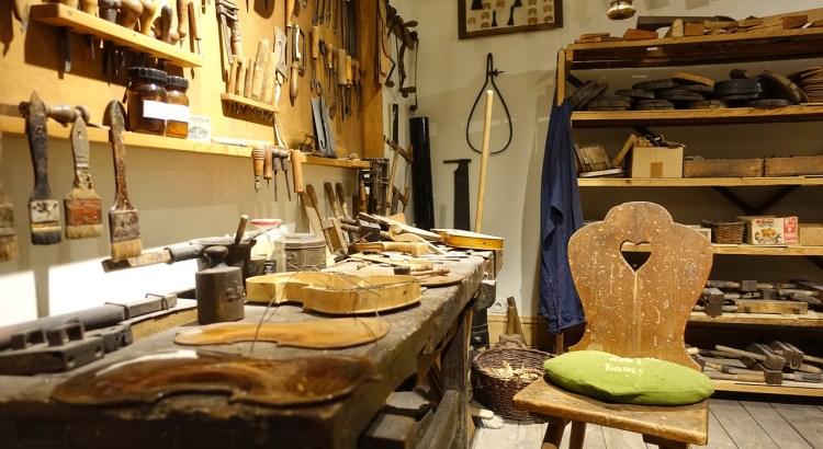 Workshop Violin Craft Instrument  - jostei / Pixabay