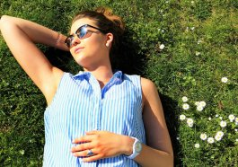 Young Woman Meadow Concerns Relax  - silviarita / Pixabay
