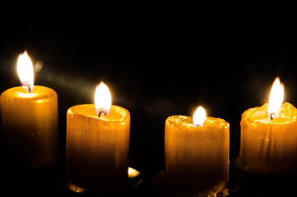 candles mourning