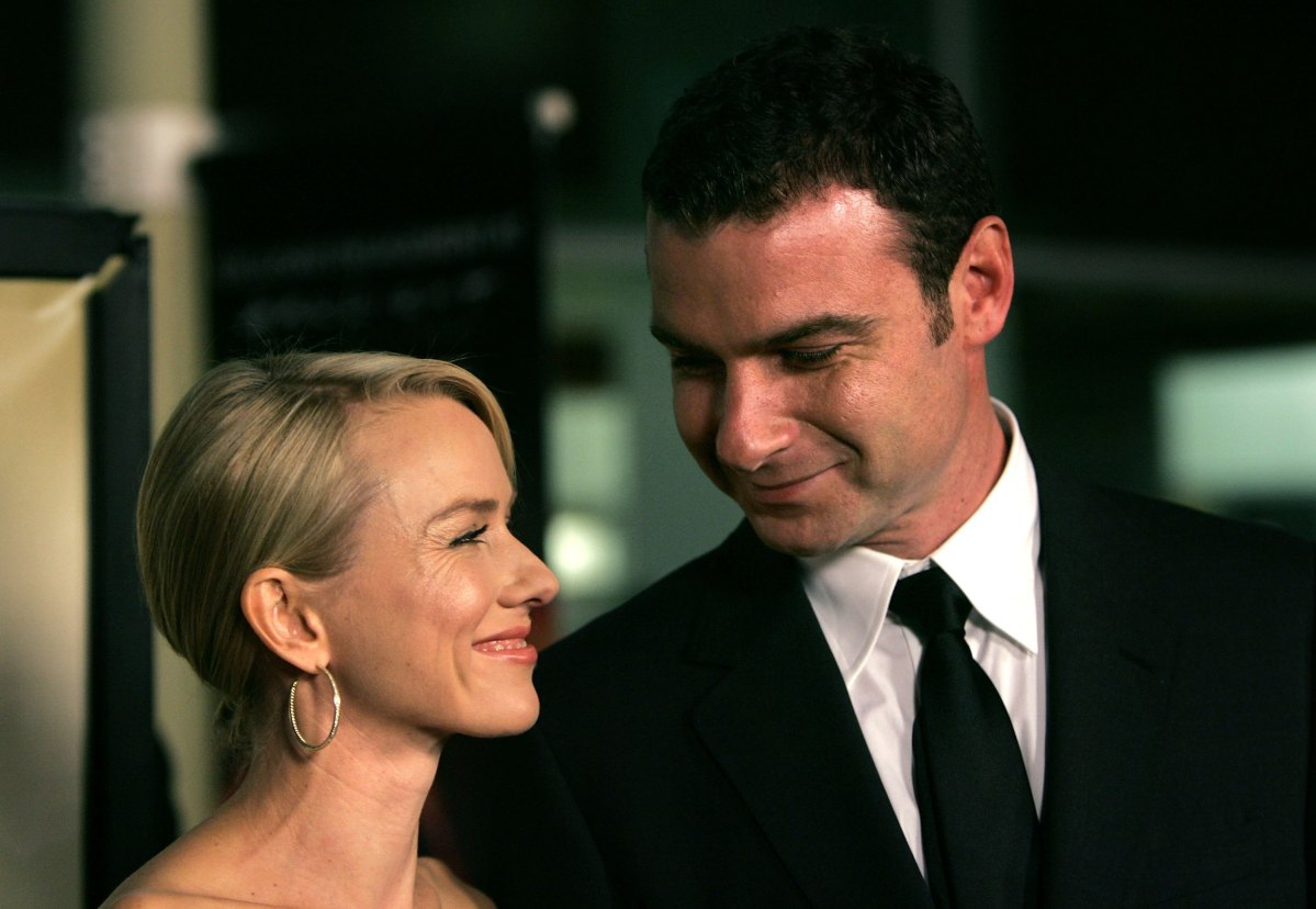 "HOLLYWOOD - DECEMBER 13: Actress Naomi Watts (L) and actor Liev Schreiber arrive at the Los Angeles premiere of Warner Independent's ""The Painted Veil"" held at Arclight Cinemas on December 13, 2006 in Hollywood, California. (Photo by Mark Mainz/Getty Images)"