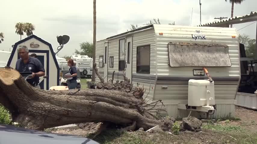 FEMA tours disaster area_94162943-159532
