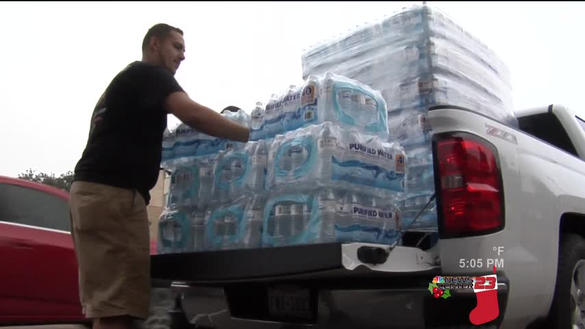 Valley Residents Sending Water to Corpus Christi_21048219