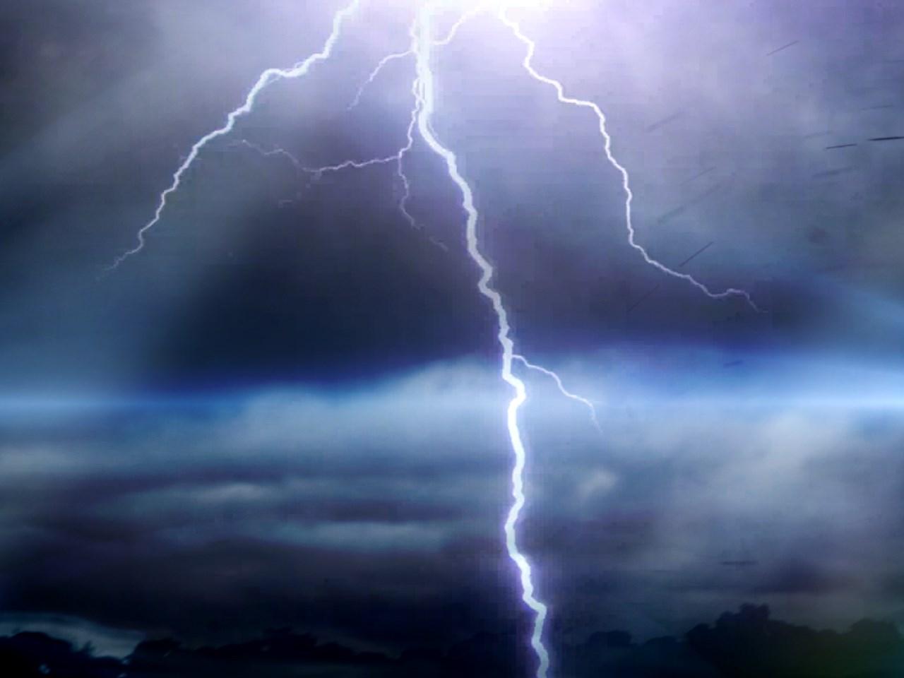 1280x960_70501B00-FYJQO_Lightning_1500409701825.jpg