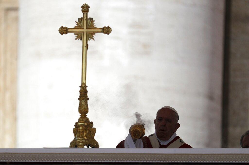 APTOPIX Vatican Pope_1560180899042