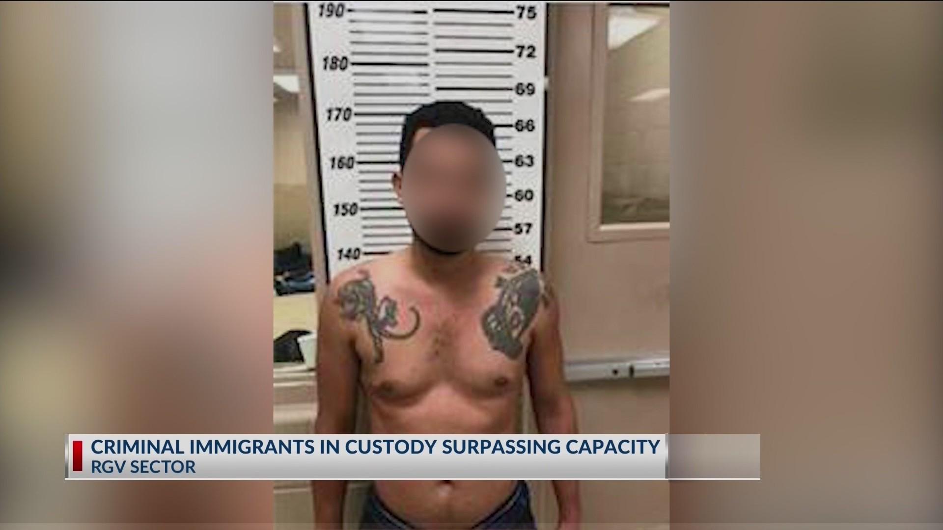 Criminal_immigrants_in_custody_surpassin_0_20190611032501