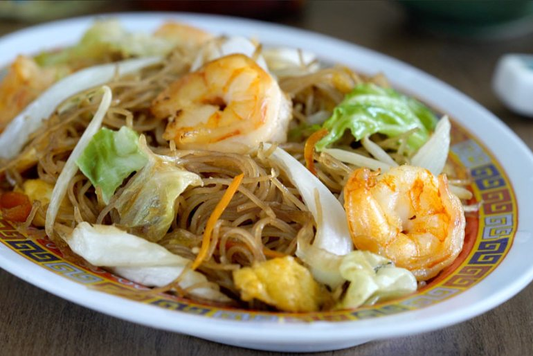 chow mei fun, fideos de arroz fritos, fideos chinos fritos, fideos de arroz, fideos salteados, cocina china, recetas chinas