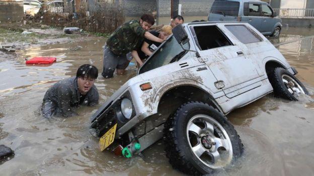 10 Julie Japan vloede 3