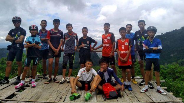 3 Jul Thai seuns in grot