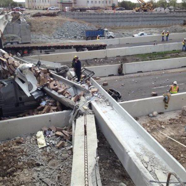 APTOPIX Interstate Bridge Accident_109245