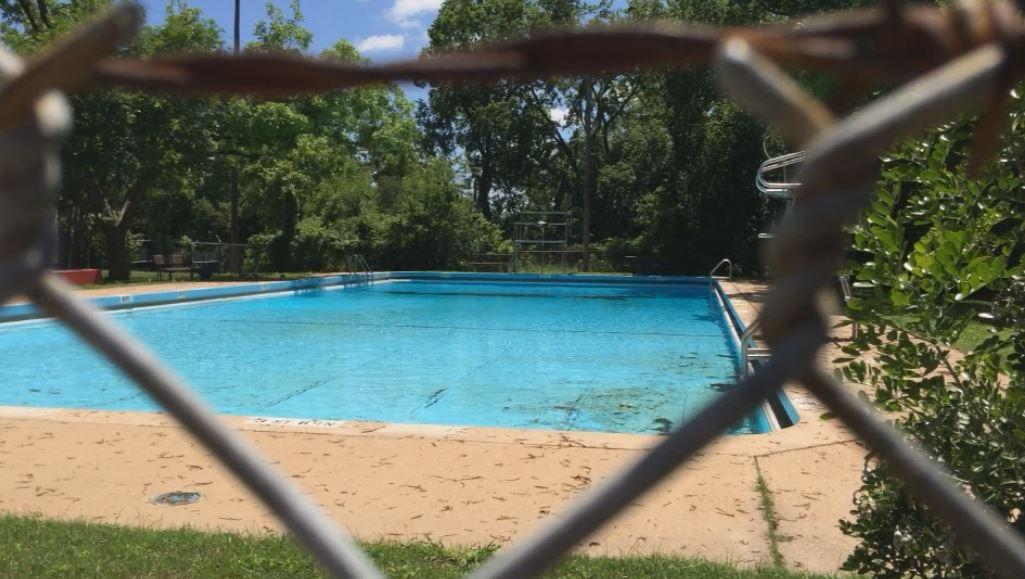 Shipe Pool in Austin_297806