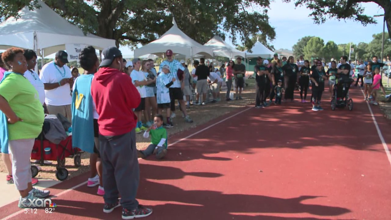 Austin Run_Walk raises money to help fight Ovarian Cancer_359064