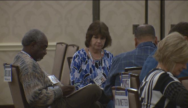 Texas judges take part in poverty simulation_380054