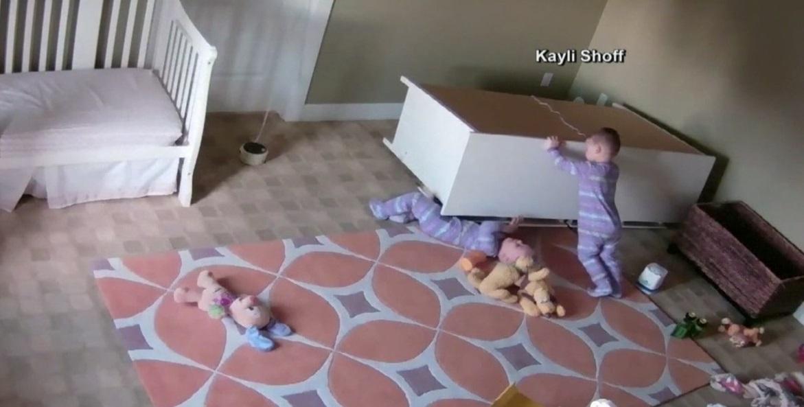 Dresser falls on twin boys in Utah_394651