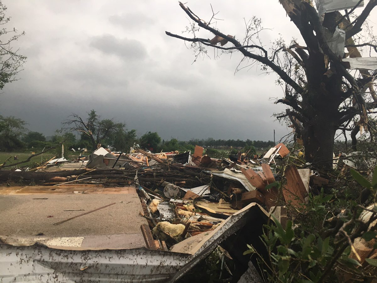 Damage following possible tornado in Canton, Texas_462772