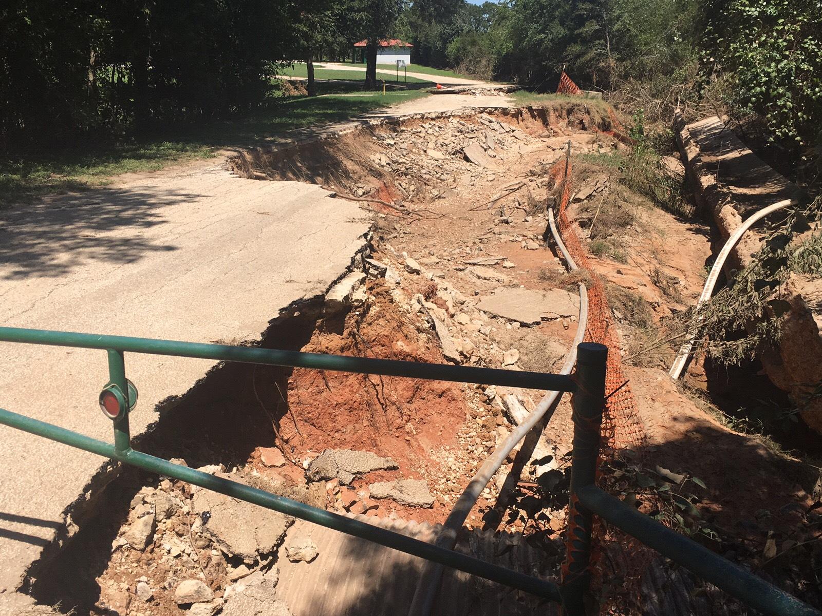 concrete SMithville River Bend damage_567960