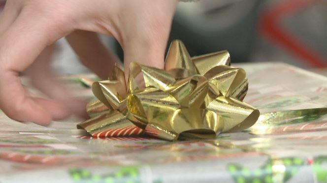 bow on present_599647
