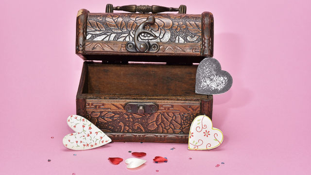 treasure-hunt-valentines-day-gift_1517261660650_337717_ver1-0_32896335_ver1-0_640_360_625338