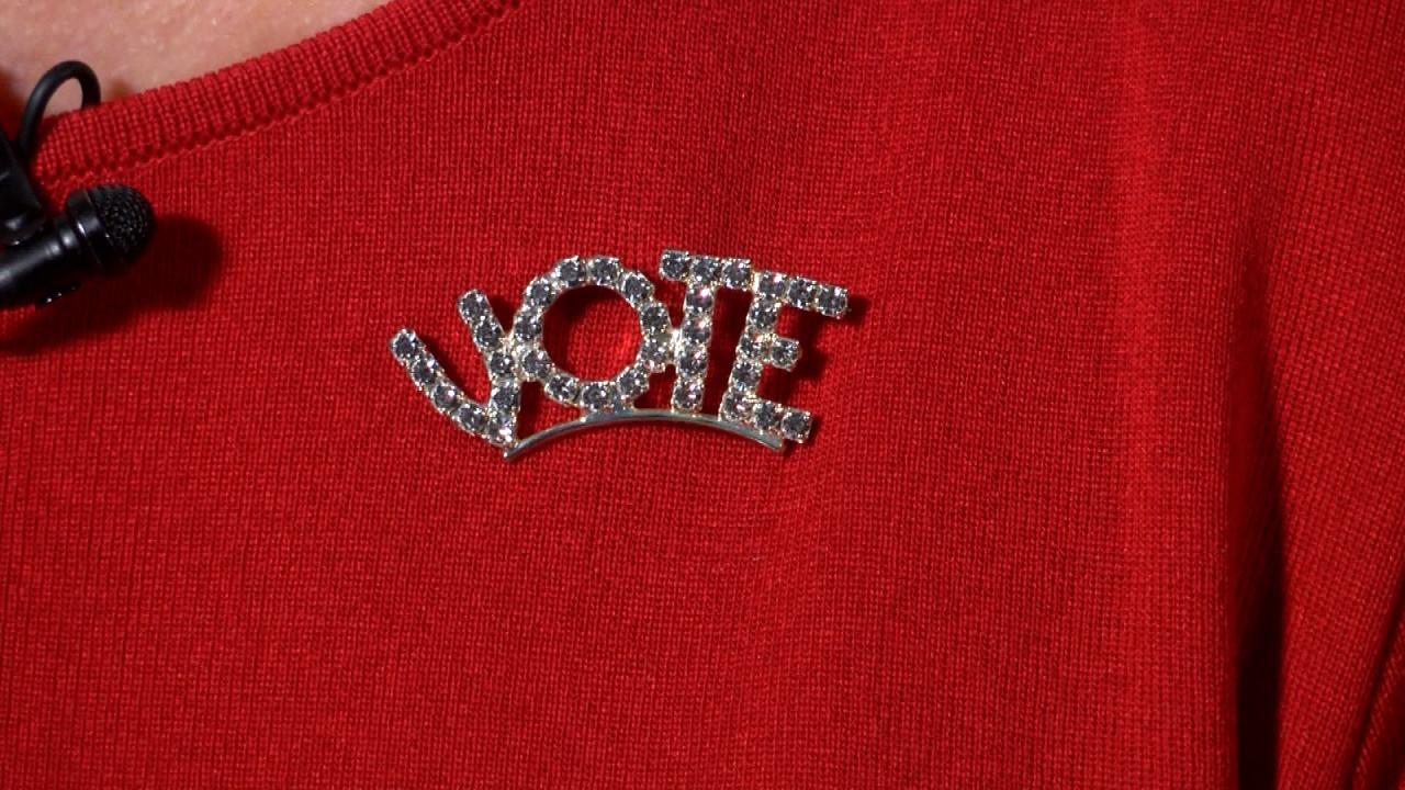 vote pin_640682