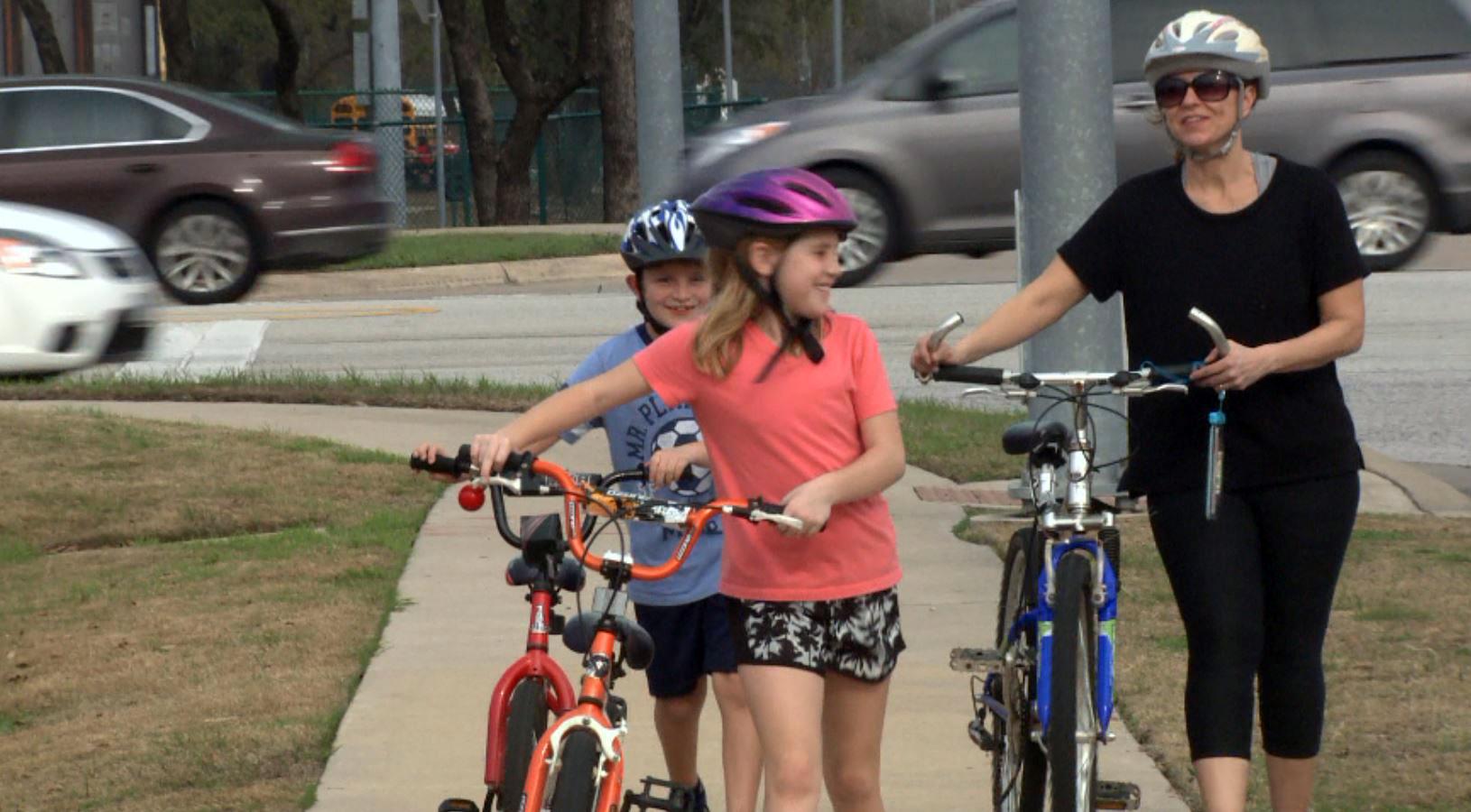 cedar park family biking_646690