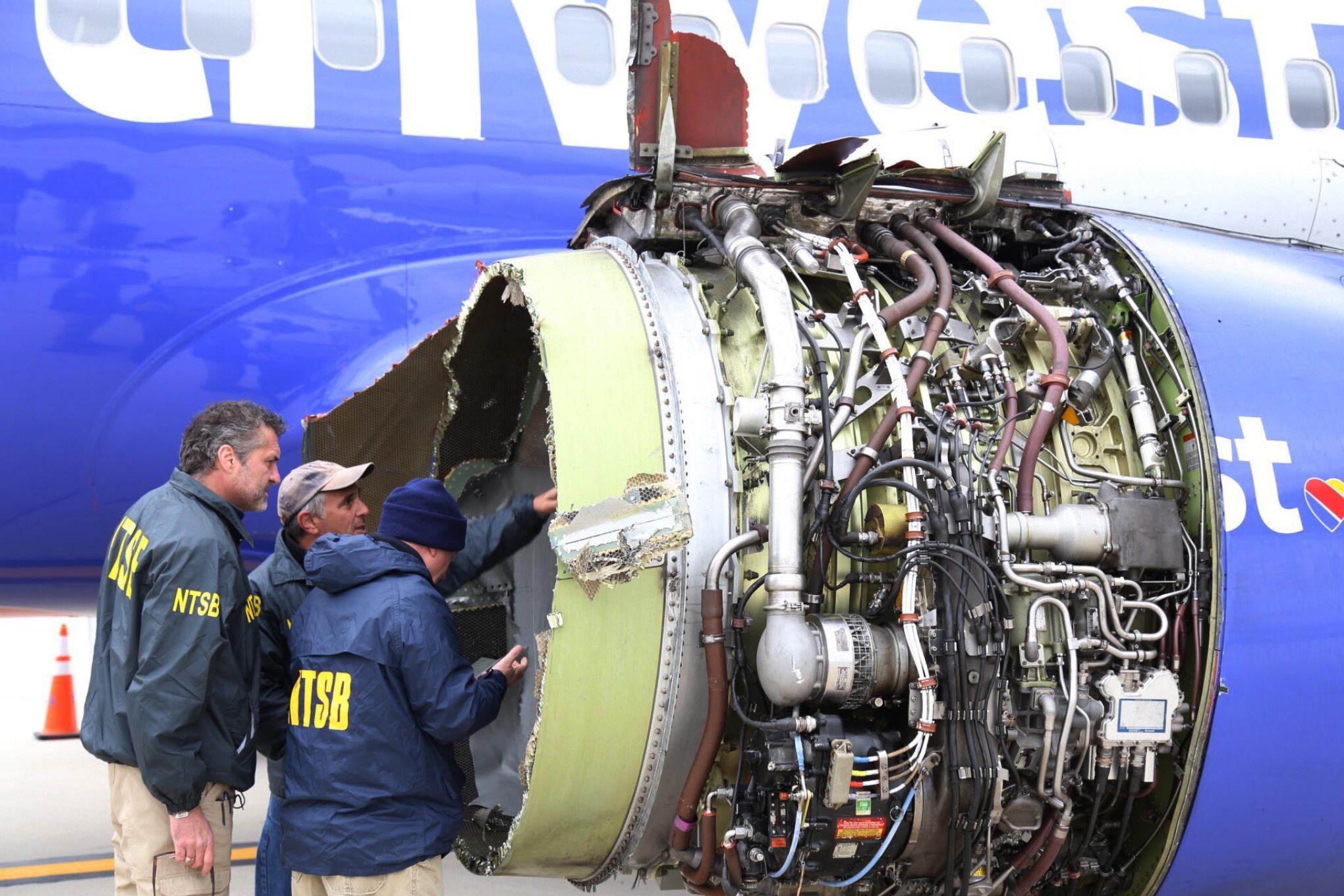 Southwest_Airlines_Emergency_Landing_95245-159532.jpg16542188