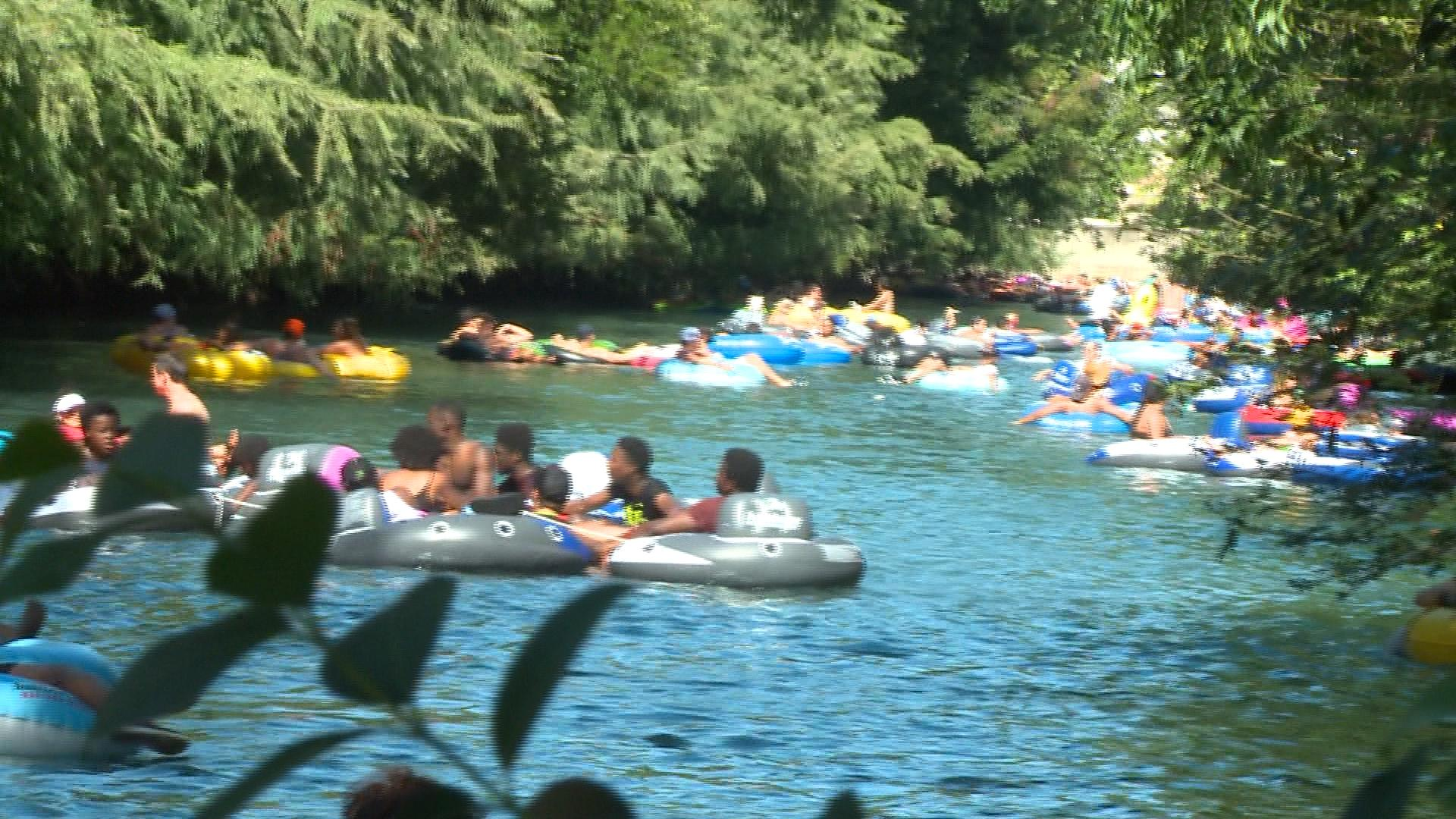 Comal River on Fourth of July_500997