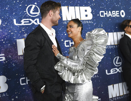 Chris Hemsworth, Tessa Thompson