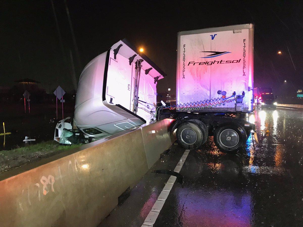Old Settlers Blvd semi-truck crash